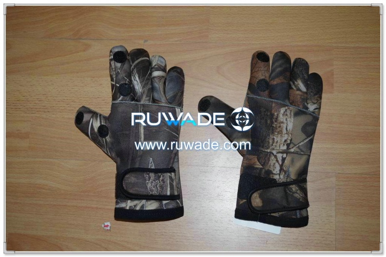 fold-back-neoprene-fishing-gloves-rwd008-1