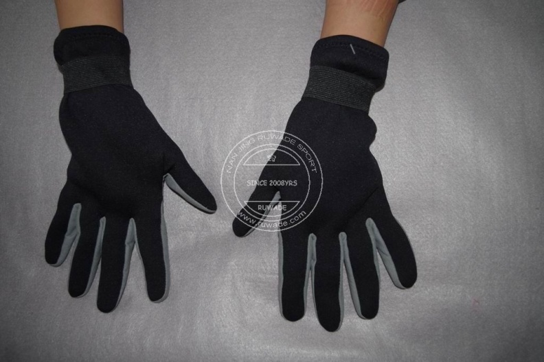 full-finger-neoprene-sport-gloves-rwd001-2.jpg
