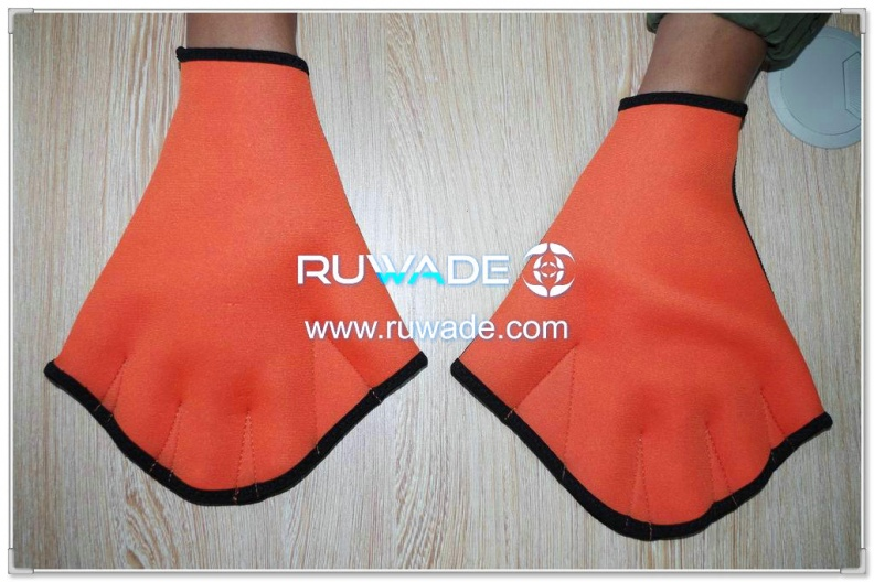 neoprene-webbed-swimming-gloves-rwd001-1