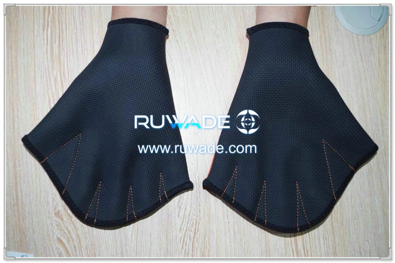neoprene-webbed-swimming-gloves-rwd001-2.jpg