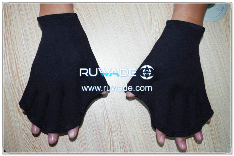 neoprene-webbed-swimming-gloves-rwd012-1.jpg