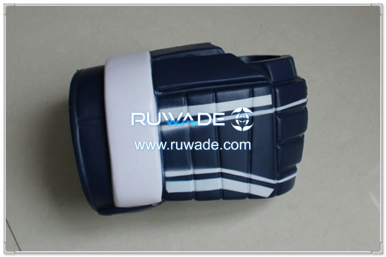 foam-hockey-glove-can-cooler-holder-rwd013-07.jpg