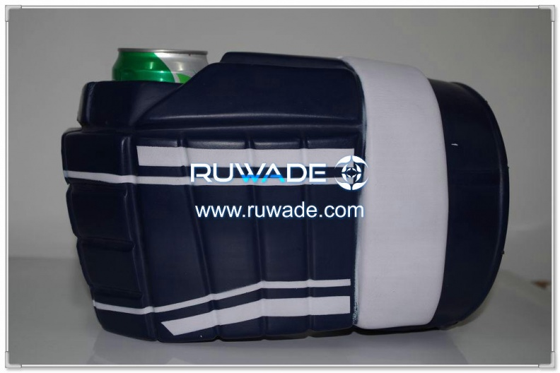 foam-hockey-glove-can-cooler-holder-rwd016-01.jpg