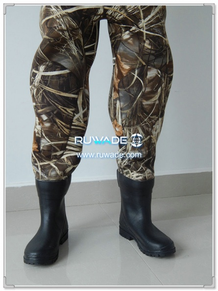 men-camo-neoprene-chest-fishing-wader-rwd014-1.jpg