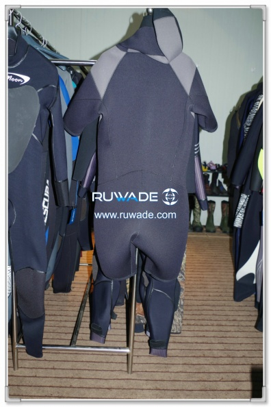 short-sleeve-shorty-wetsuit-front-zip-with-hood-rwd001-2.jpg