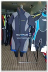short-sleeve-shorty-wetsuit-front-zip-with-hood-rwd003-1