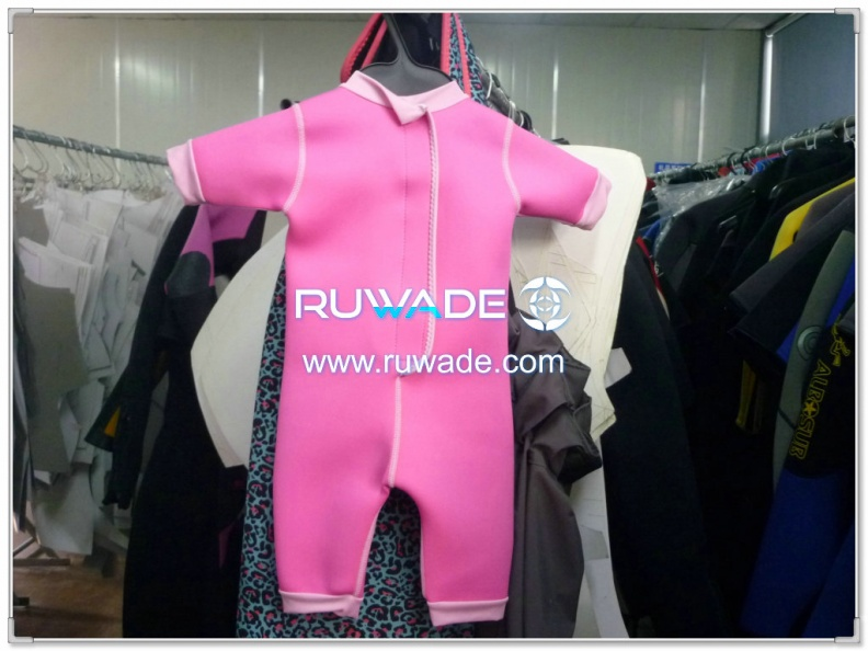 short-sleeve-shorty-wetsuit-without-zip-and-hood-rwd002-2.jpg