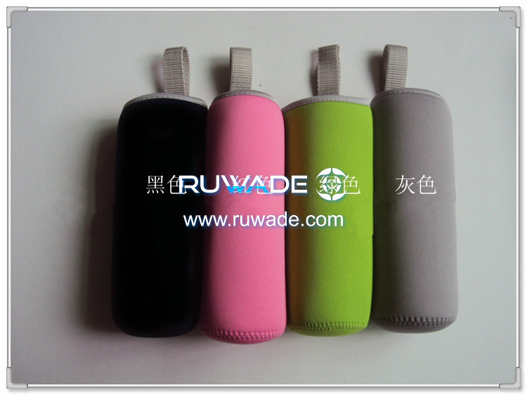 neoprene-water-beverage-bottle-cooler-holder-insulator-rwd079-03